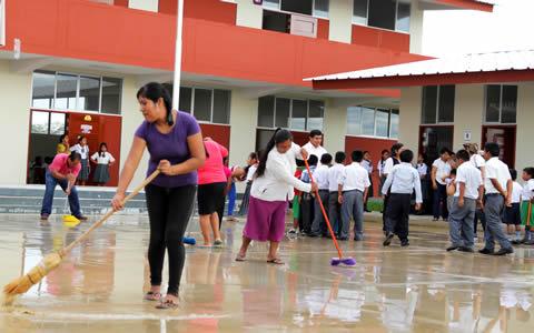 Ministro Vexler dispone medidas de prevención para proteger a estudiantes y colegios durante periodo de lluvias